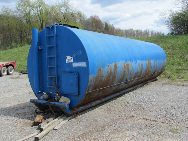 (1 of 2) 300-Bbl Water Tank – YD12