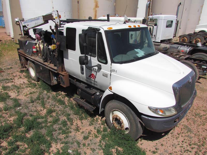 2005 INT'L 4300 Service Truck w/AUTO CRANE – YD3