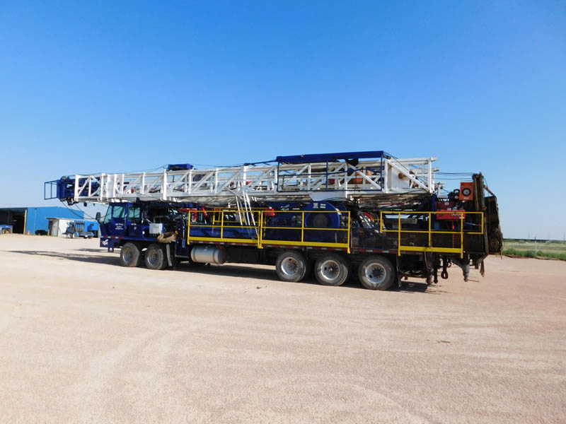 (1 of 2) 2013 SERVICE KING 575 Well Service Rigs – YD1
