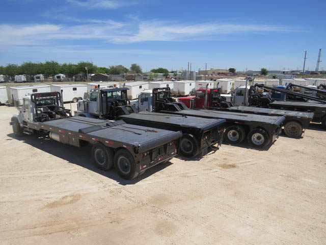 Tandem Bed Trucks