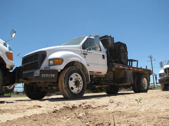 FORD F-650 Roustabout Truck – DY2 YD1