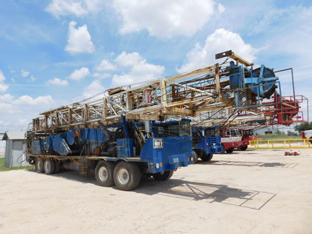 SKYTOP 400/4210 Well Service Rig - D1 YD1
