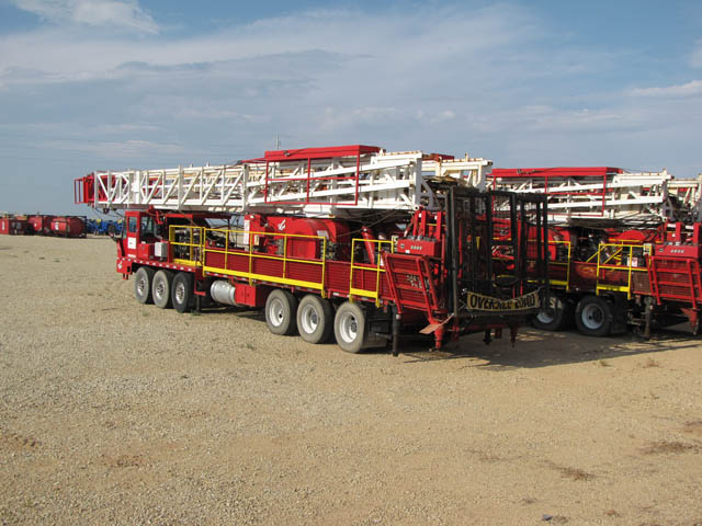 2014 SERVICE KING 675 Well Service Rig - D1 YD13