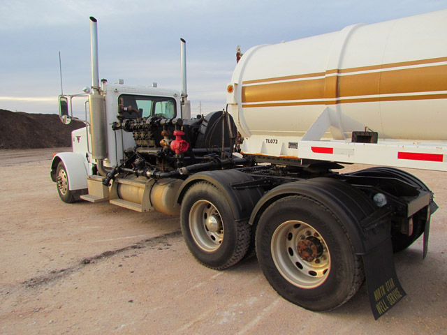 2005 PETE 379 Kill Truck – DY1 YD3