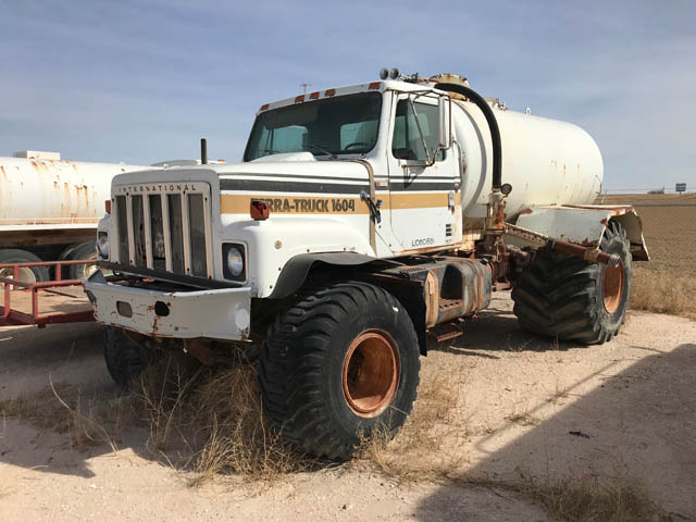 INTERNATIONAL 60-Bbl Terra Vac Truck – YD11