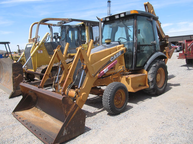 2001 CASE 580M Backhoe – DY2 YD2