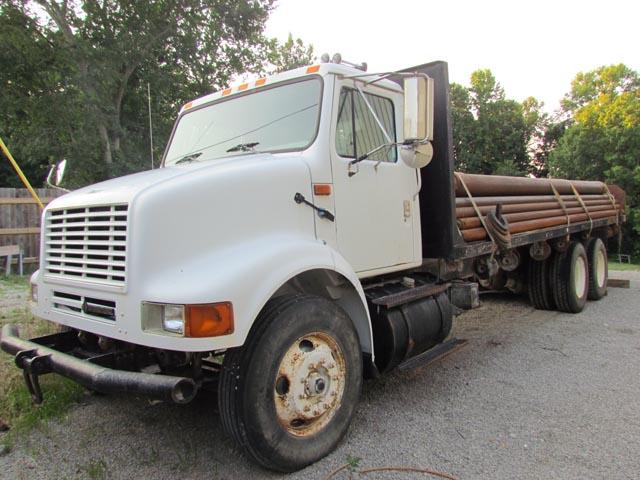 INTERNATIONAL Pipe Truck – YD6