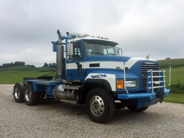 (1 of 2) 2007 MACK CL733 Winch Truck – YD1