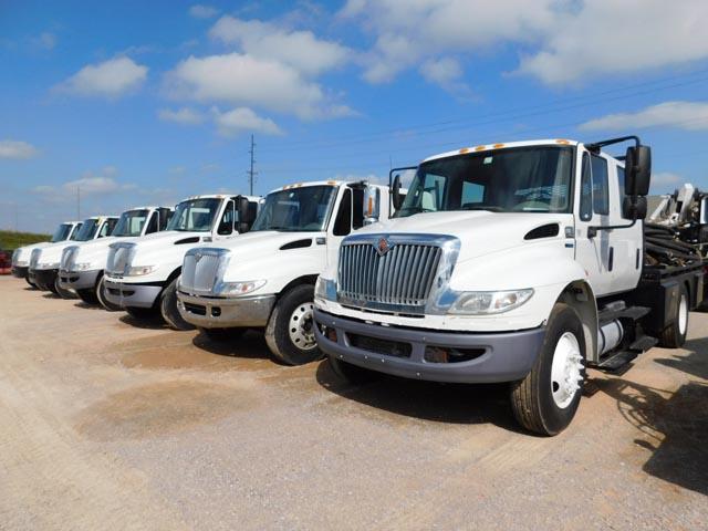 (8) '11-'04 INT'L Tong Trucks – DY2 YD1