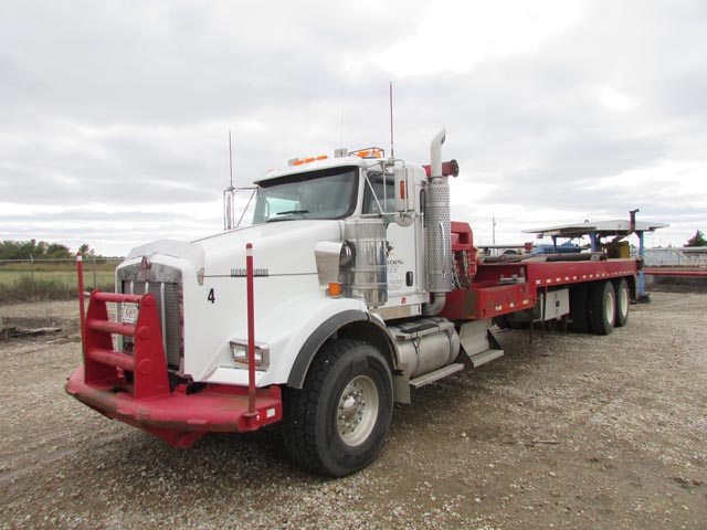 "2007 KENWORTH T800 Bed Truck w/380""WB"