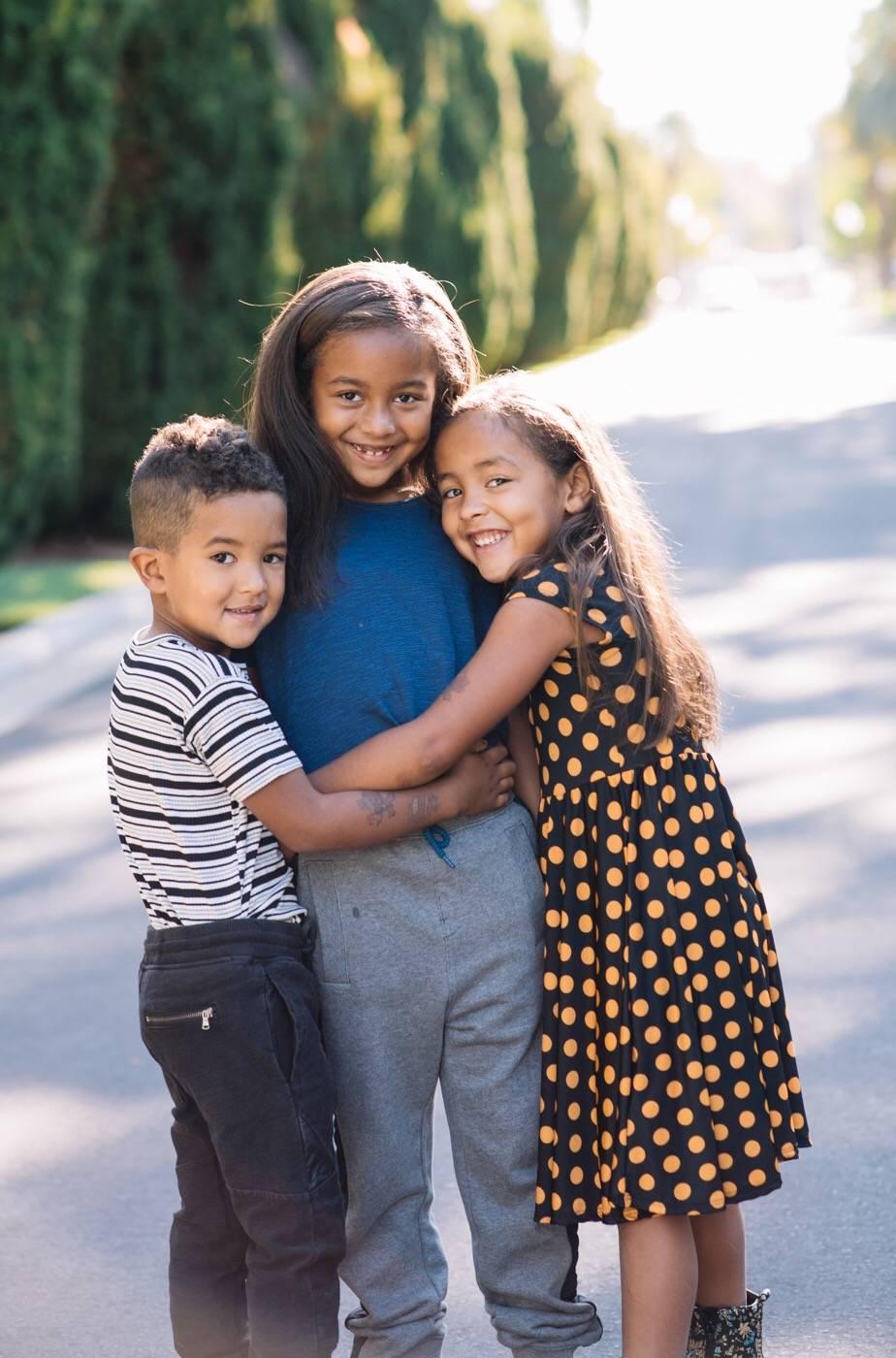 lularoe-family- siblings