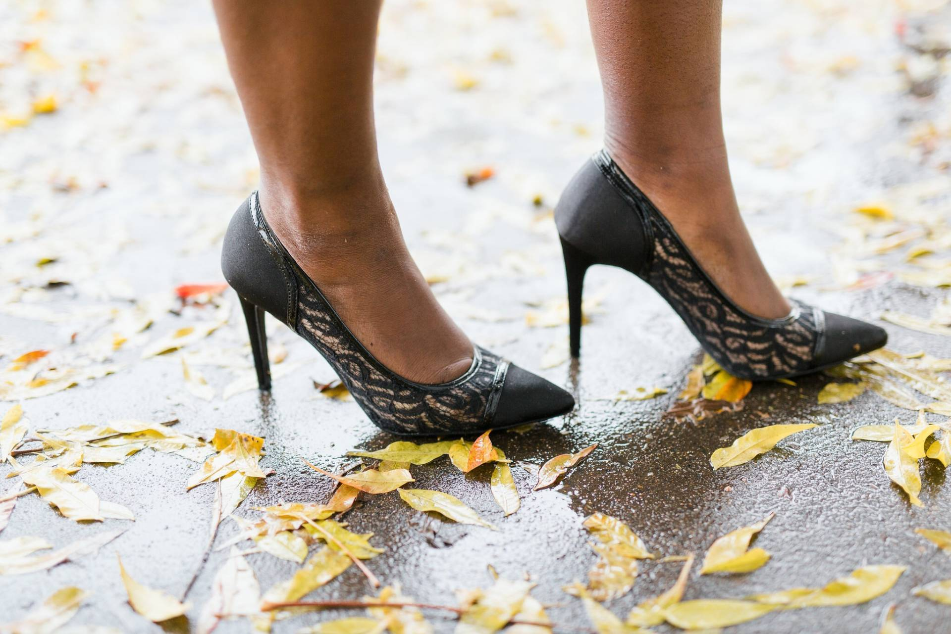black-lace-with-payless- shoe detail