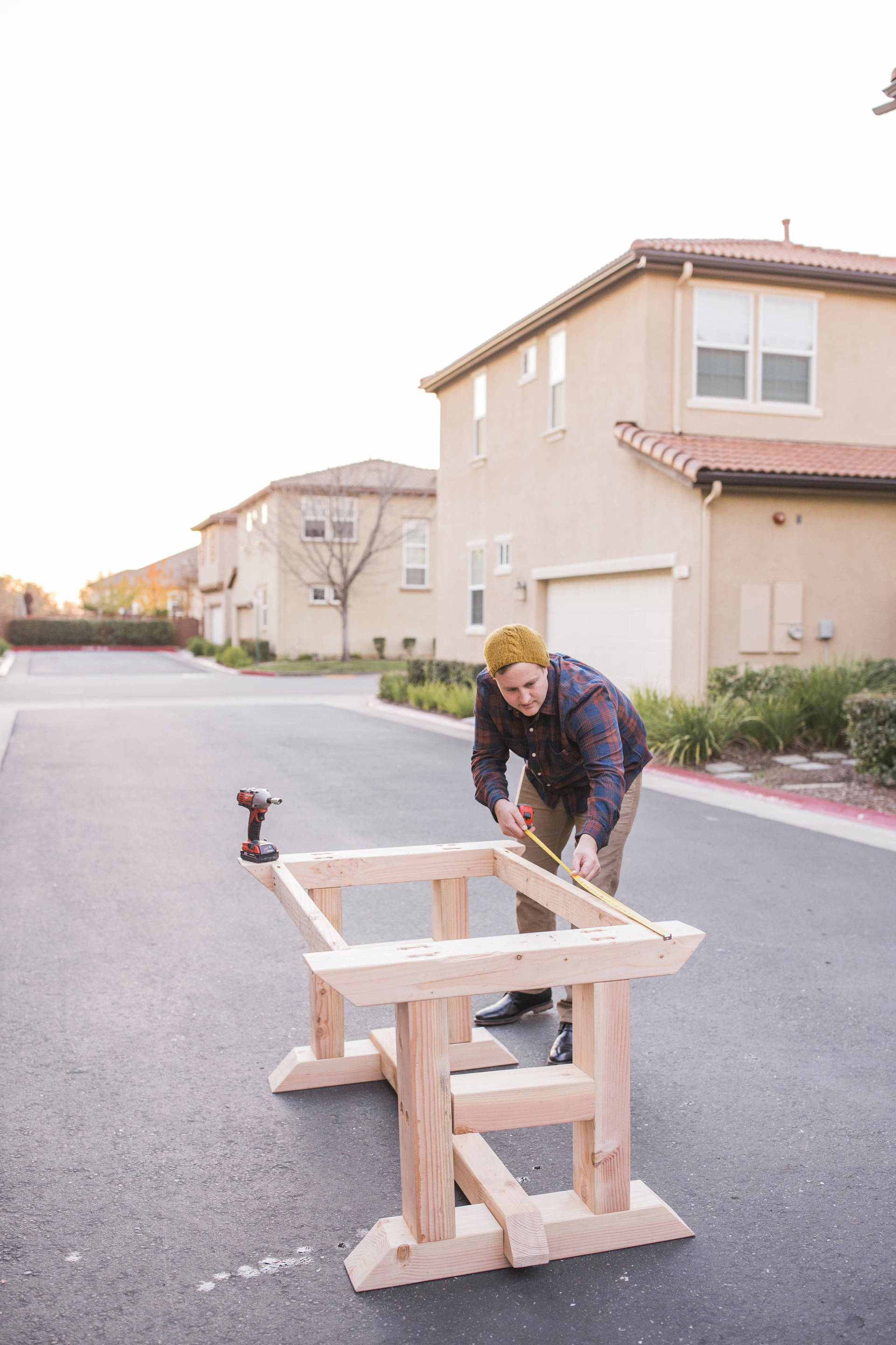 Home Depot: Building a barn style table with a simple plan and user friendly tools from Home Depot. If I can do this, so can you!