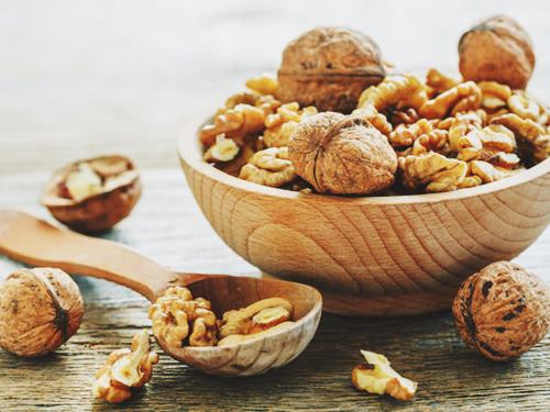 walnute Best Dry Fruits for Face Glow
