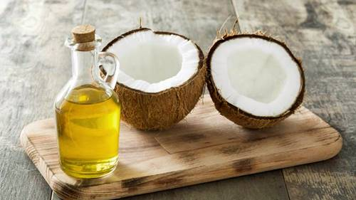 How to make lip balm at home with coconut oil