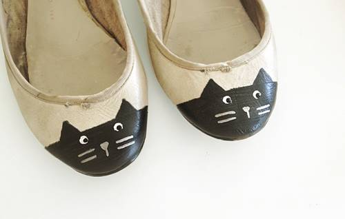 DIY Cat Toe Shoes Upcycle