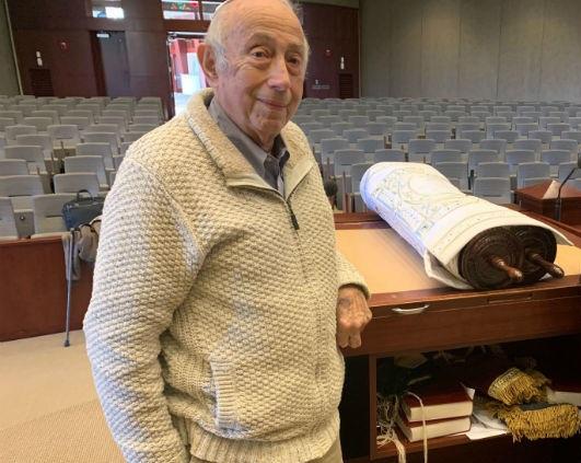 Holocaust survivor Fred Behrend (screenshot)