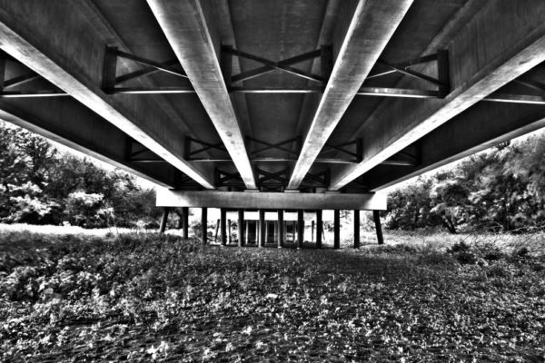 under-the-bridge-hdr_t20_GVaYn6