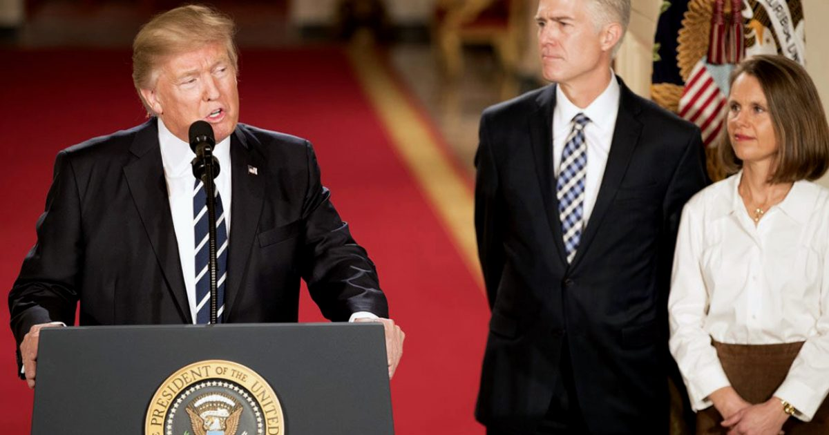 Donald_Trump_with_Neil_Gorsuch_01-31-17-1200x630