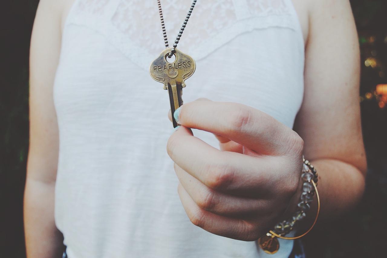 key, holding, hand
