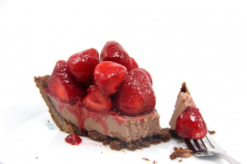 PB&J Strawberry Chocolate Peanut Butter Mousse Pie