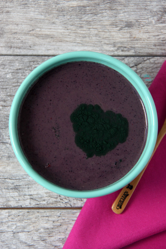 Acai Protein Smoothie Bowl with spirulina. (vegan and gluten free)
