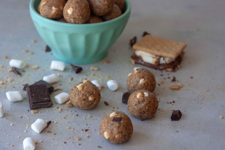 Gimme S'more Milk Bites marshmallows, chocolate, graham crackers