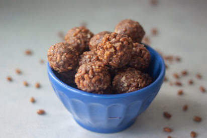 Delicious bite sized snacks that are packed with simple ingredients and curb hunger and satisfy your sweet tooth. Little hands love them too! Vegan and gluten free friendly.