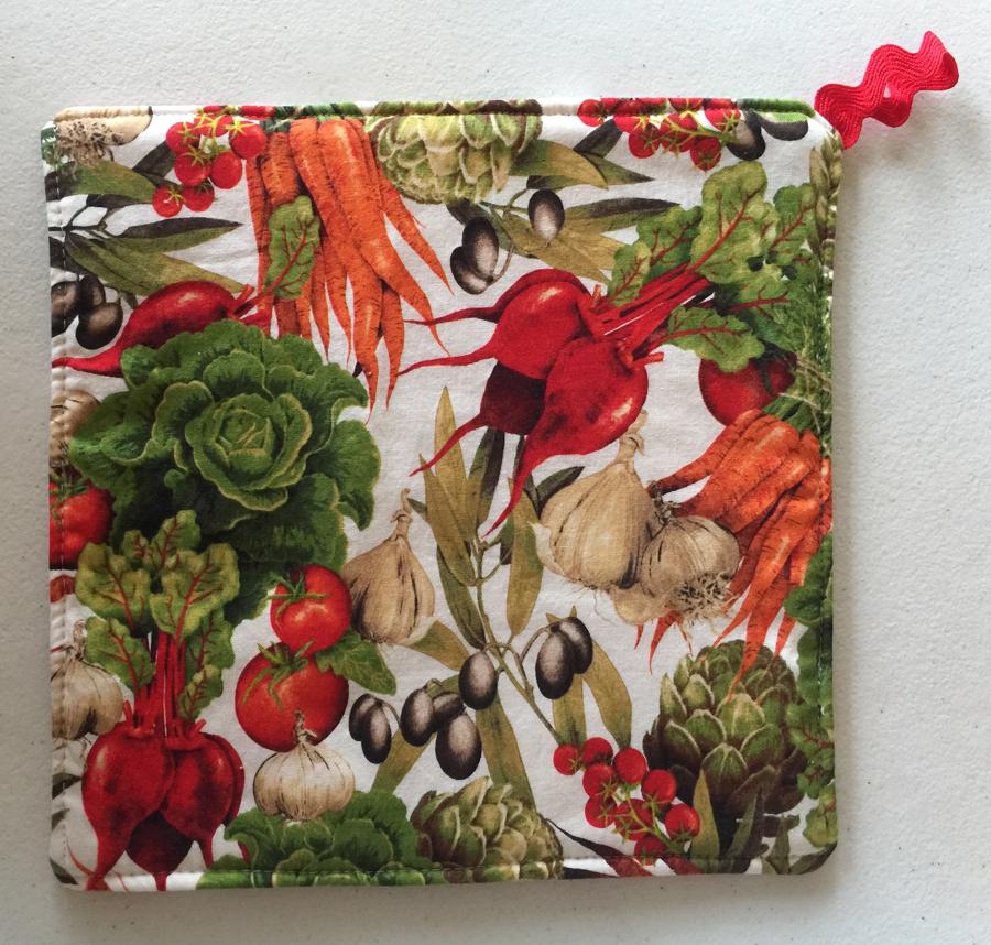 2 Vegetable Botanical Print Pot Holders ~ 100% Cotton