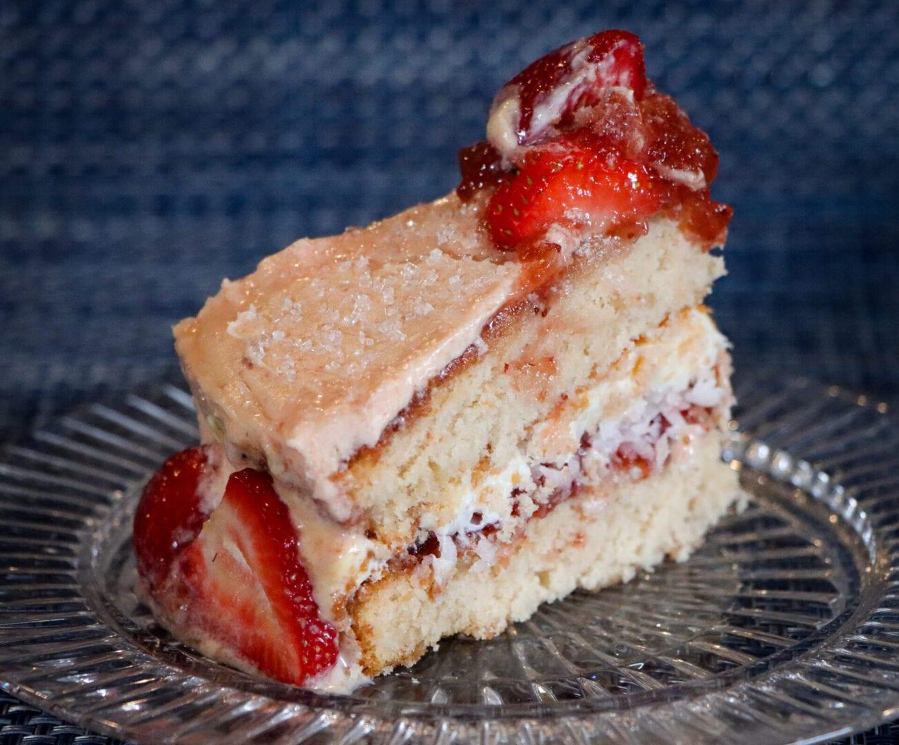 Strawberry-cake-3-1-scaled
