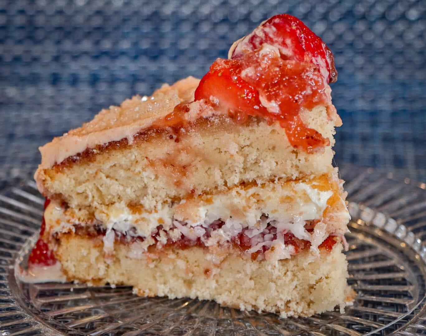 Strawberry-cake-4-1-scaled