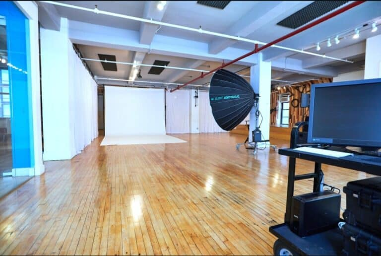 Read more about the article 5 Essential Reasons To Rent A NYC Photo Studio With Contra Studios