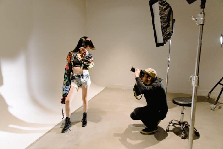 Read more about the article Contra Studios: The Best NYC Photo Studio To Rent in 2021 with Live Streaming