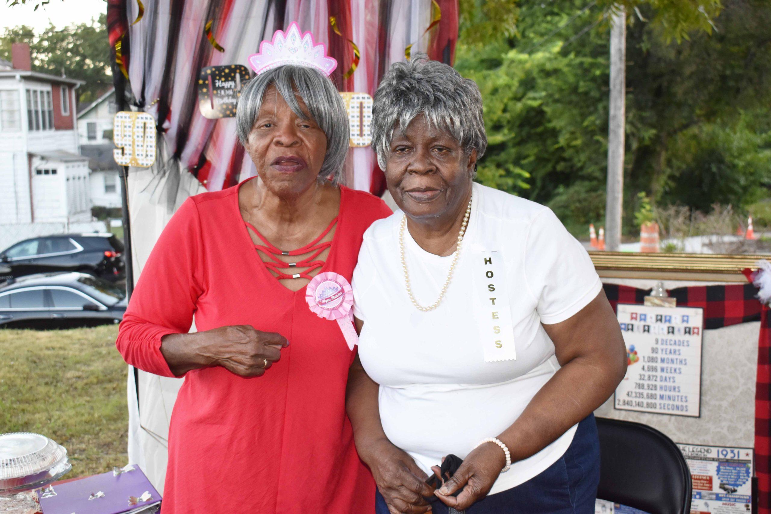 Annie Abrams with sister Bobbie Gardner