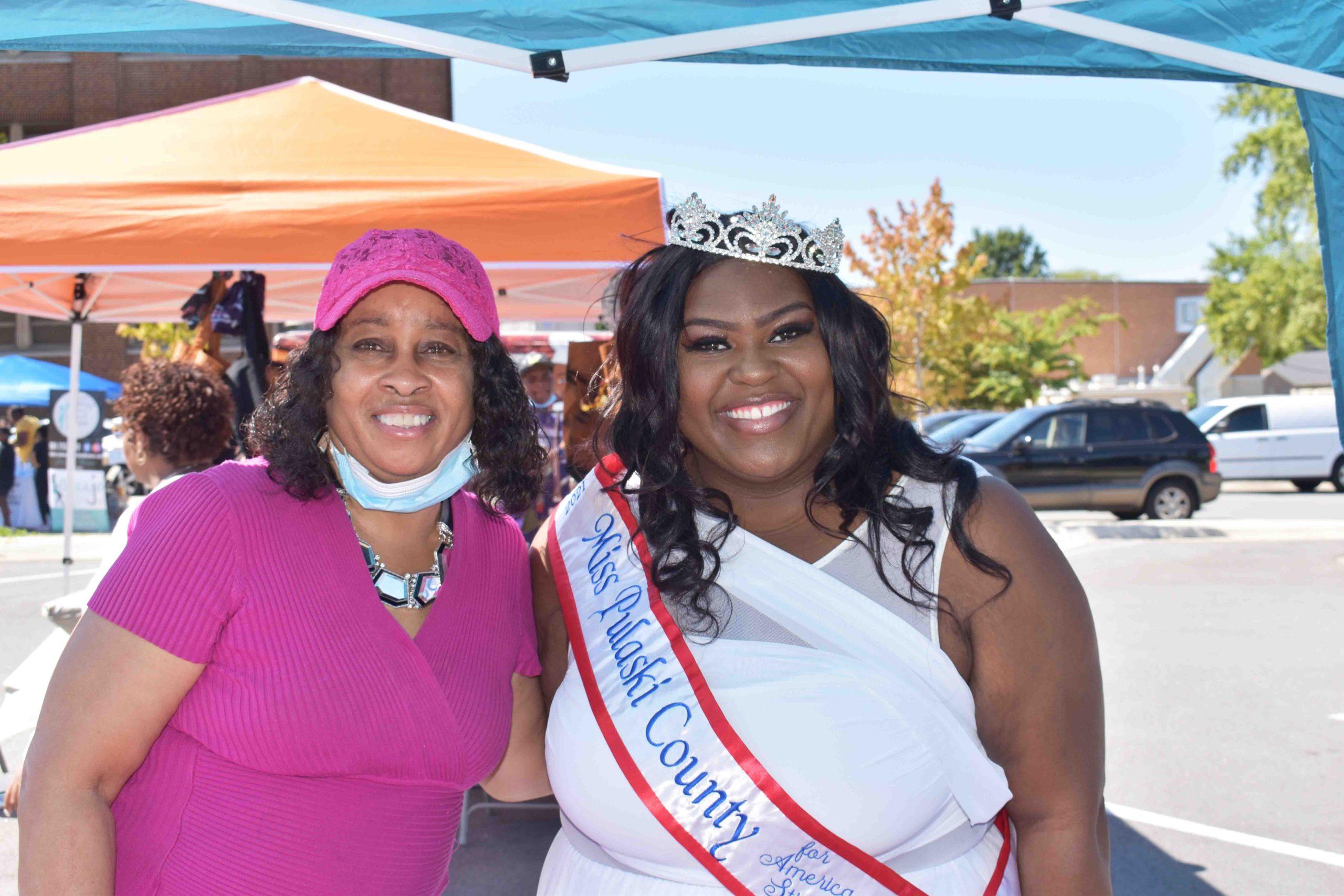 Tracy Watson, JaNiece Williams (Miss Pulaski County, Arkansas for America)