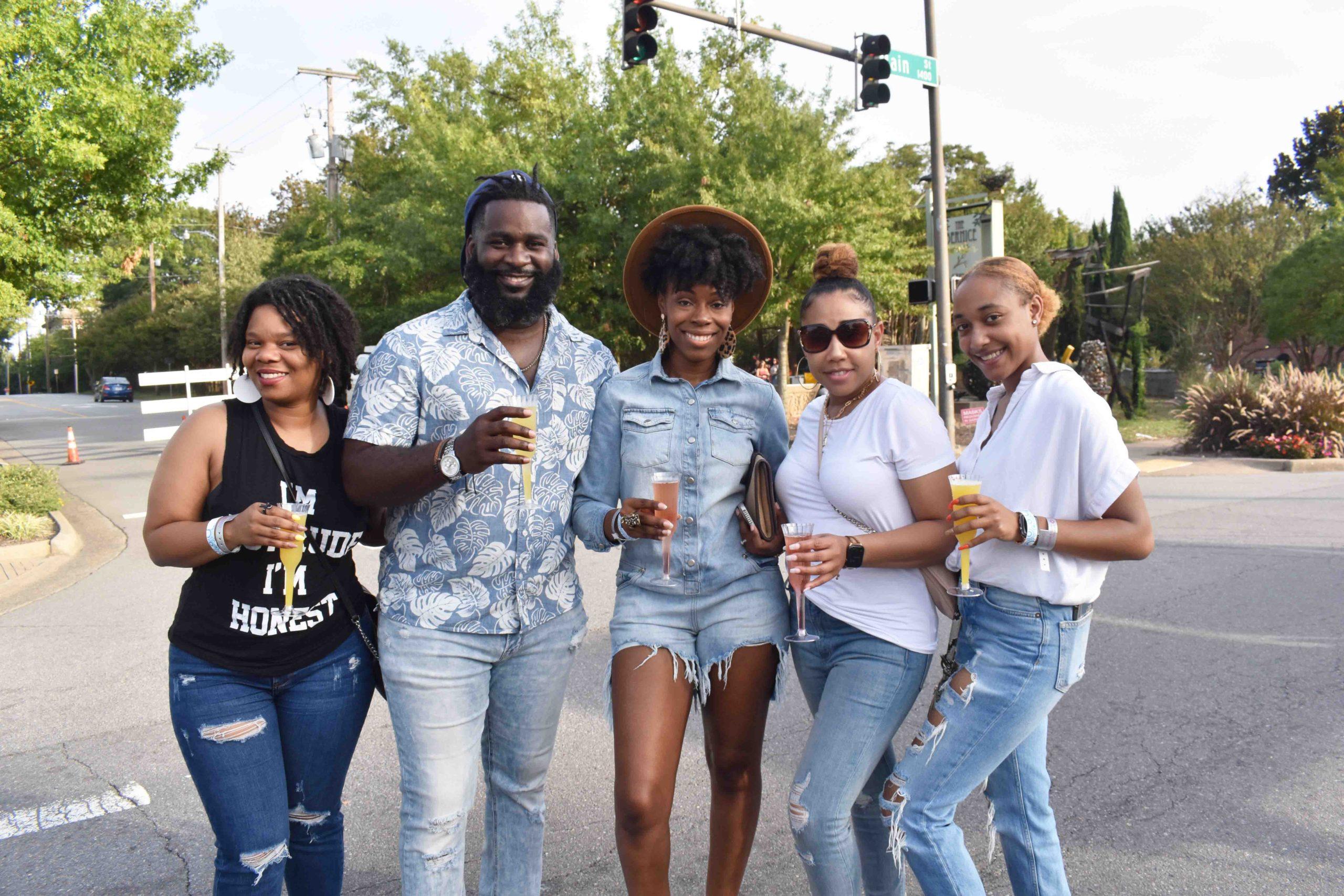 Ebony Jones, Kwele and Krystal Ross, Kimberly Davis, Kyla Davis