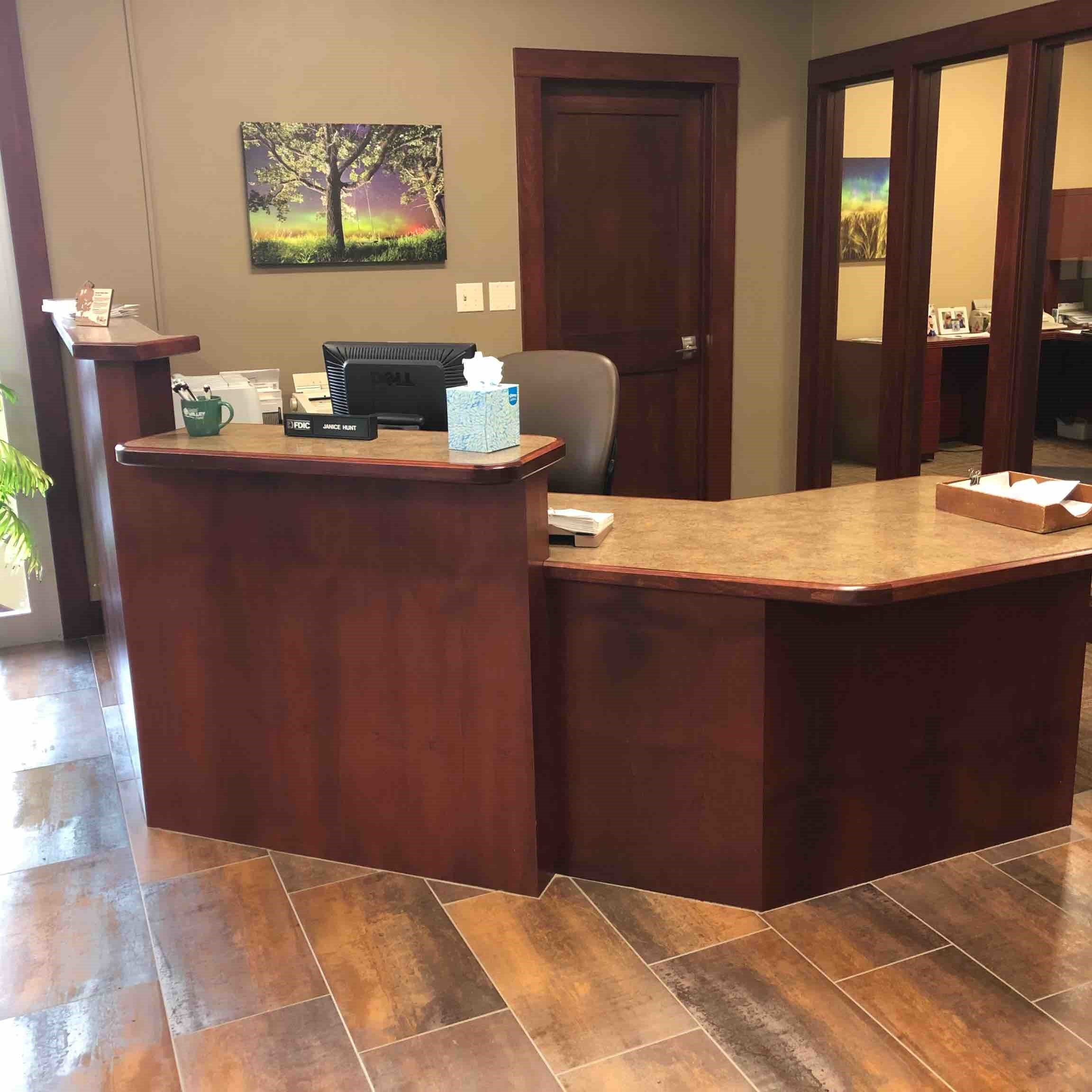 Custom Banking Cabinets and Countertops