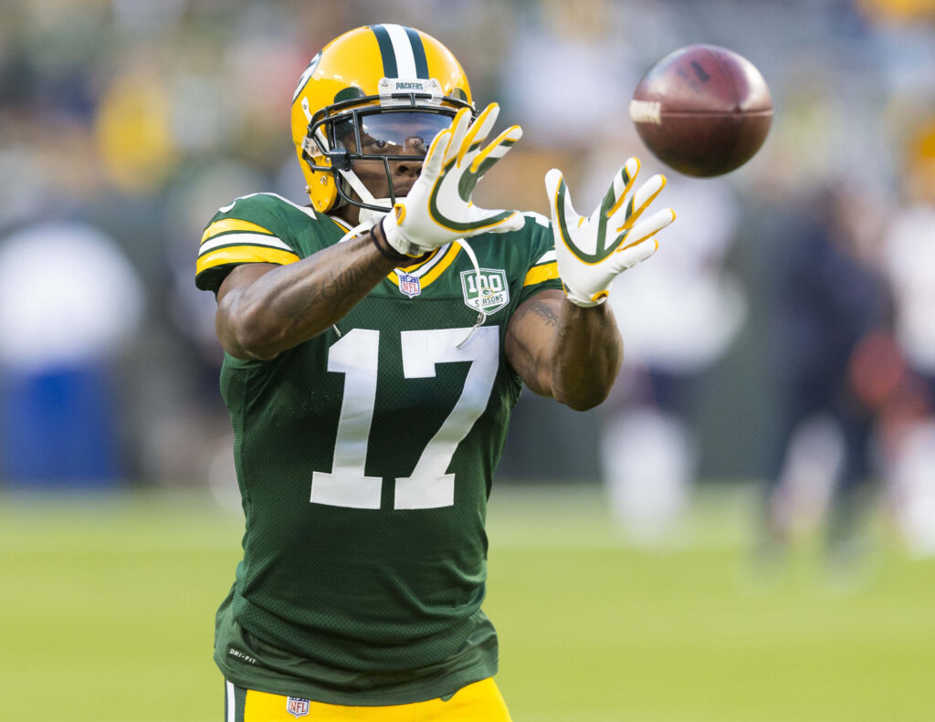 Davante Adams catches pass.