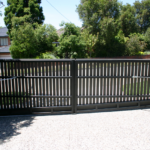 Gate Double swing auto (rear)