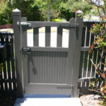 Gate Single Feature Timber (rear)