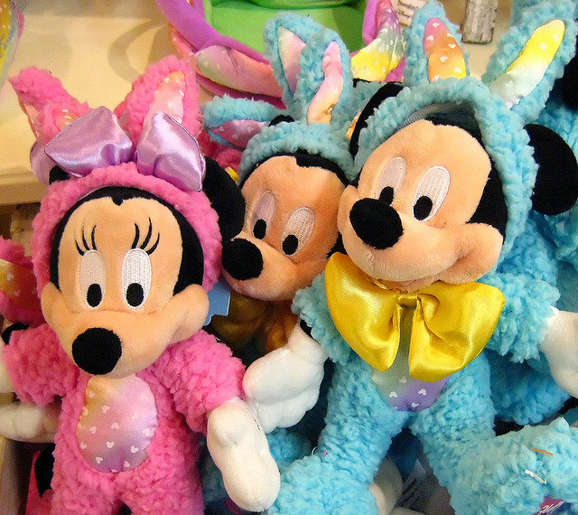Minnie and Mickey Easter bunnies by Denise Cross via Flckr