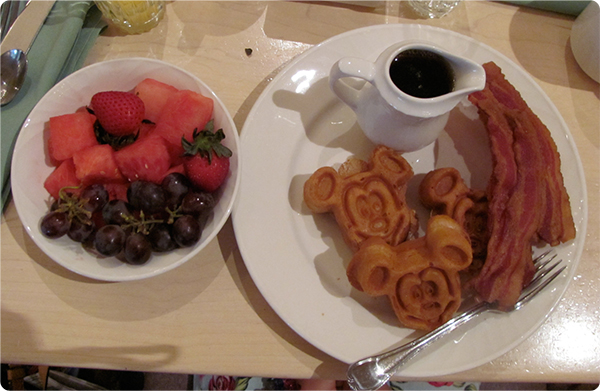 A dairy-free breakfast at Disney's 1900 Park Fare