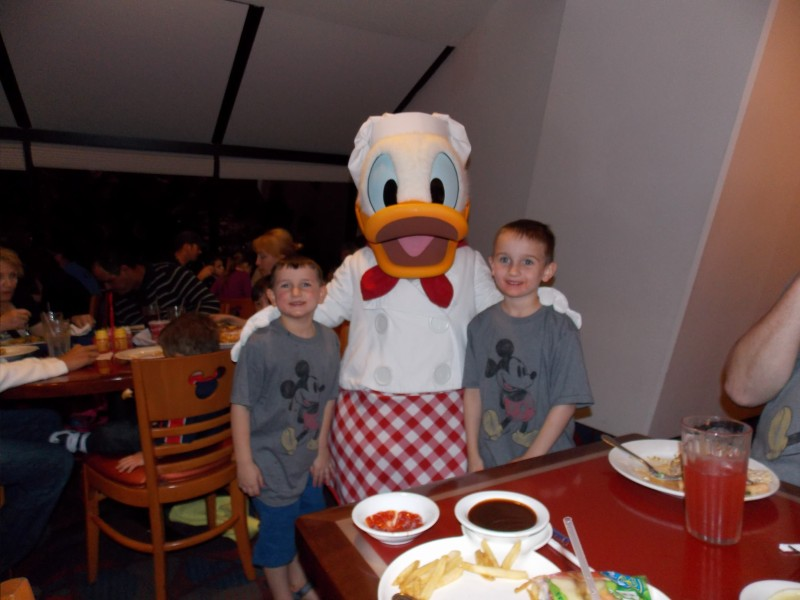 Chef Mickey's dining with food allergies