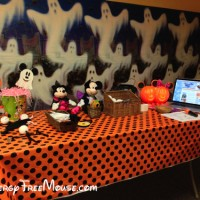 Food Allergy Kids of Atlanta Halloween table