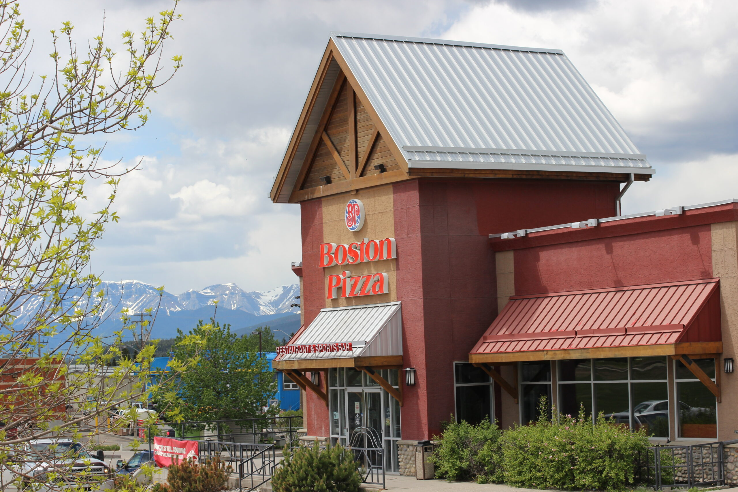 Boston Pizza Hinton