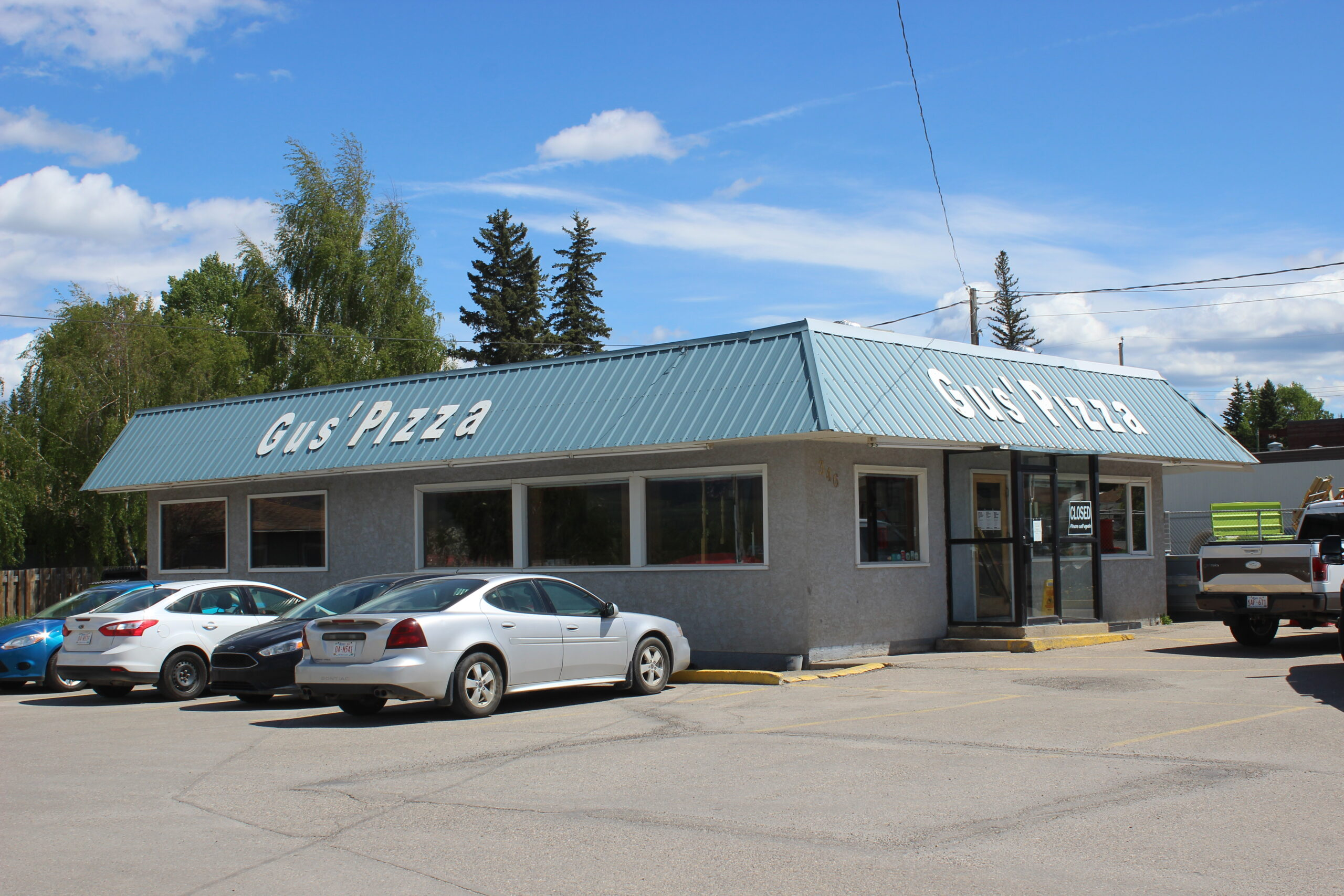 Gus' Pizza Hinton