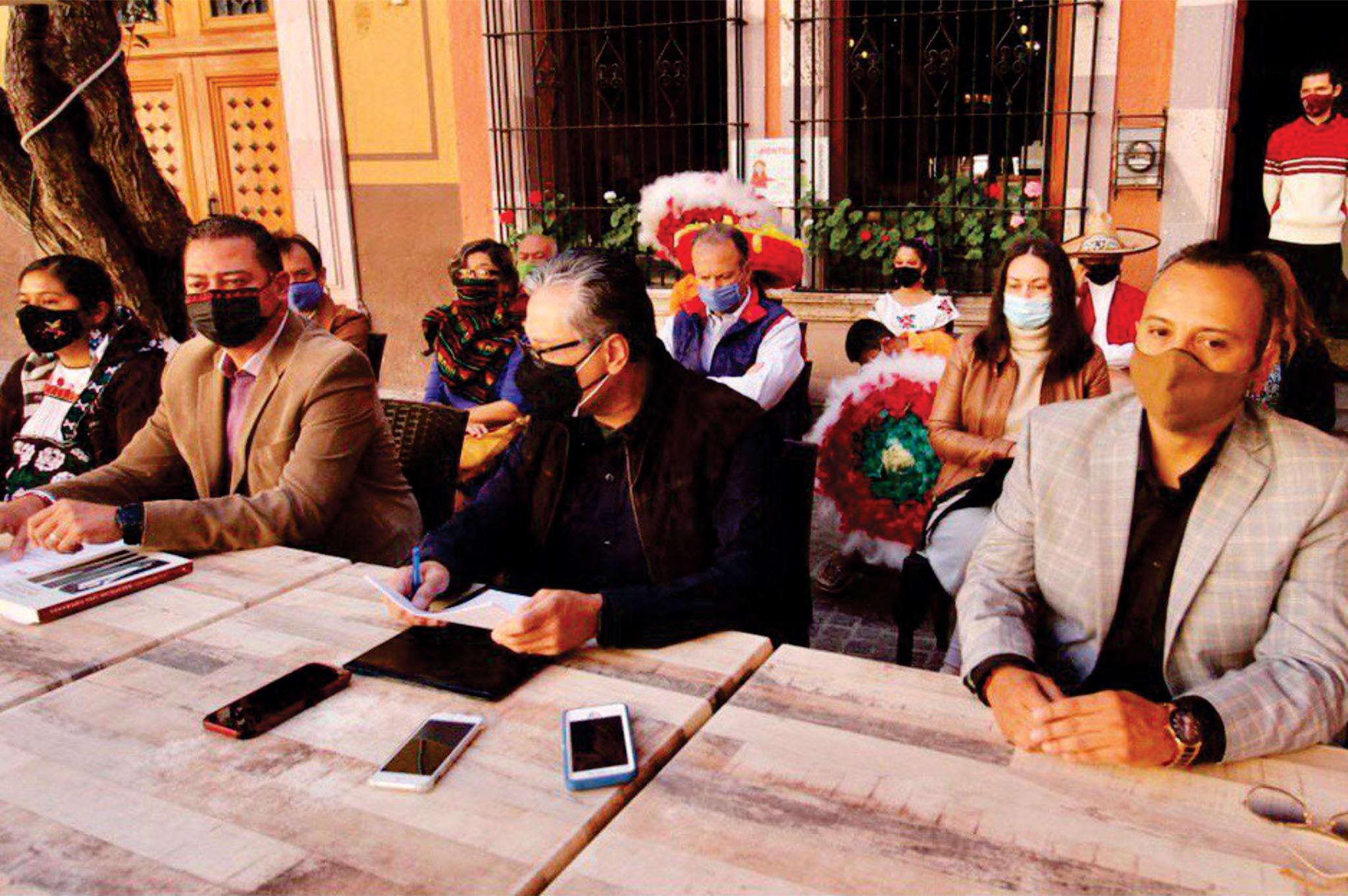 Gremio cultural anuncia respaldo a David Monreal