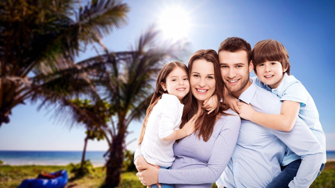 family photo smiling with teeth Houston Family Dentistry houston dental oasis