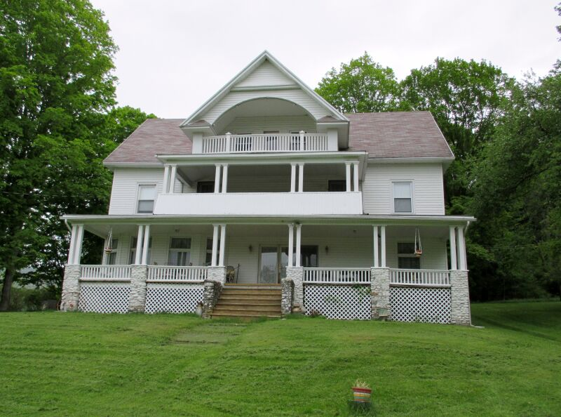 Former Bed and B'fast Home in an Ideal Location