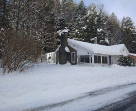 H12 - Cozy cottage, outside village, but convenient to village services.